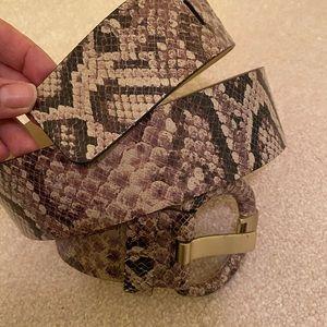Banana Republic snake skin belt. Never worn.